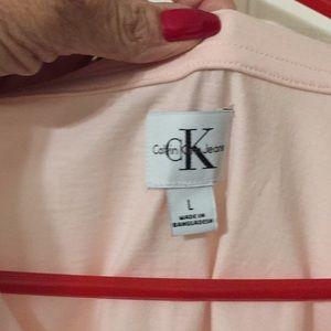 Calvin Klein Tops - Calvin Klein's t-shirt